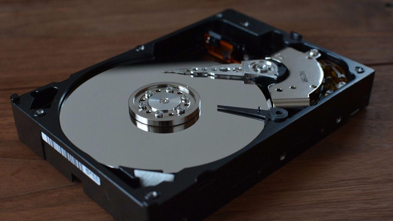 Как жесткий диск разбить на два
