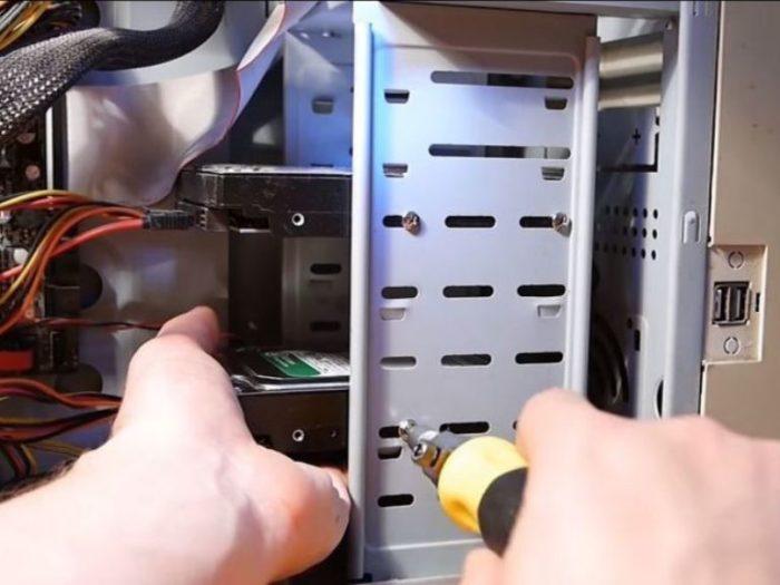 Как подключить жесткий диск от компьютера к ноутбуку